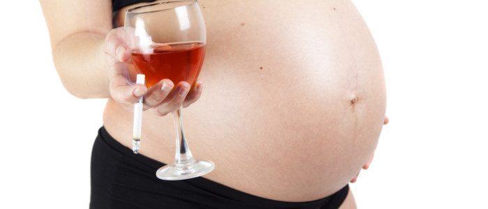 porod_u_kobiety_pod_wplywem_alkoholu-6854222-6130481