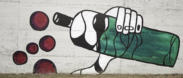 alkohol_uzaleznienie_graffiti-8013744-8963336