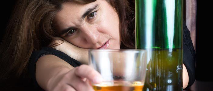 czy_jestem_uzalezniona_od_alkoholu_100-3741522-8303406